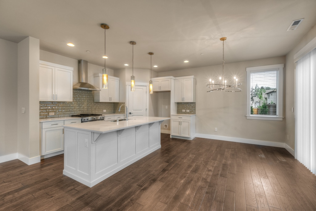 Dining adjacent to kitchen - lighting fixtures included